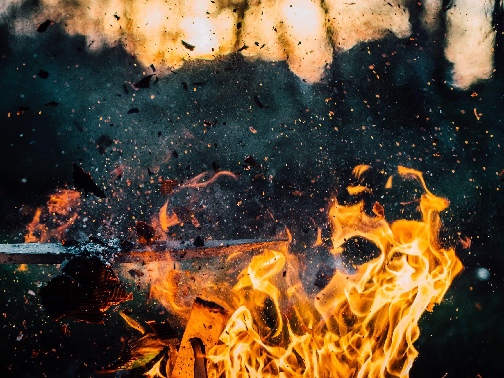 wood-explosion-fire-hot pexels lunasonline