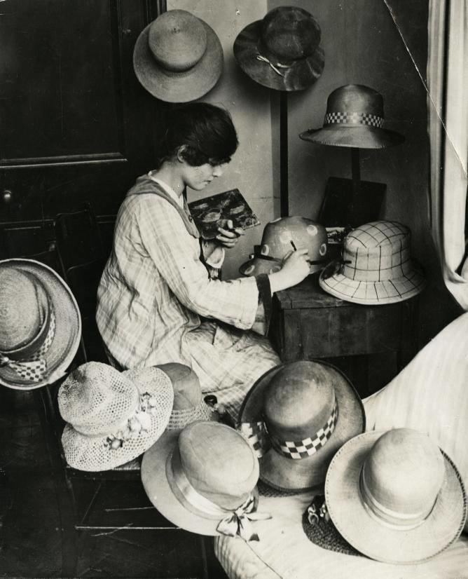 The Hatter by Chris Hall lunasonline